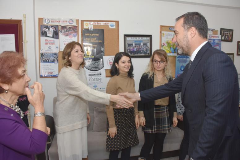 Başkan Yılmaz, Öğretmenleri Ziyaret Etti