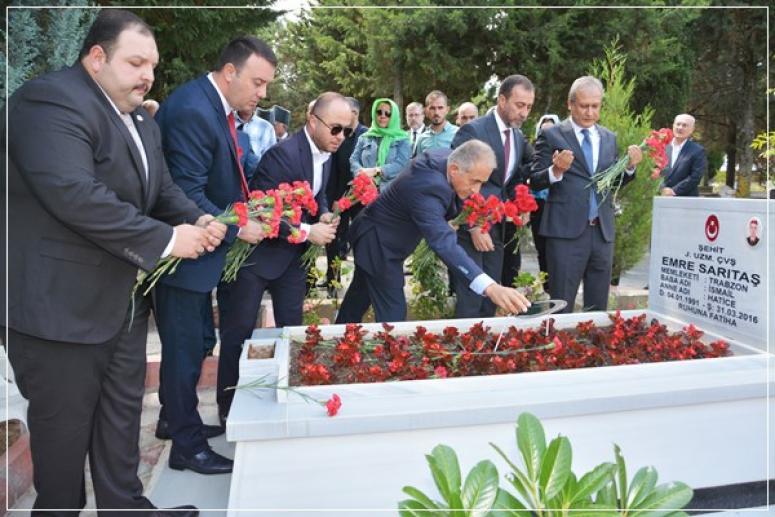 15 Temmuz'un yıldönümünde şehitler mezarı başında anıldı