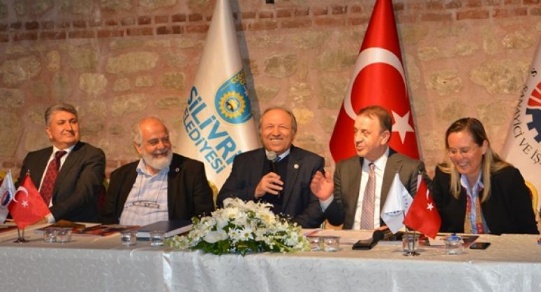 Kocabaş, belediyeden SİAD'a yer talep etti